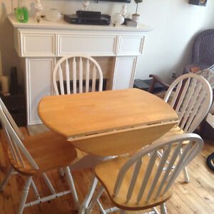 Kitchen dining and chairs $140.00