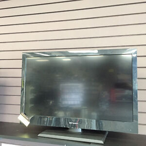 """EMERSON 32"""" LCD 720P TV WITH REMOTE GREAT CONDITION"""