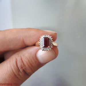 10 Kt Gold Ring for Sale with ruby and diamonds