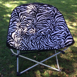 "SUPPER LARGE SIZE FOLDING ""ZIBRA"" CHAIR 32""W x 24""D x 36""H back"