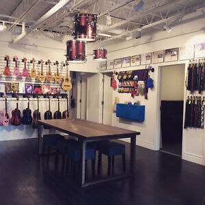 Beginner GUITAR LESSONS at Tone Labs Music (ages 5 +)