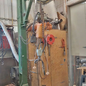 1 TON AIR HOIST