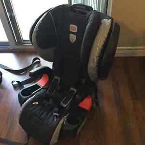 Excellent condition Britax pinnacle CT harness 2 booster London Ontario image 2