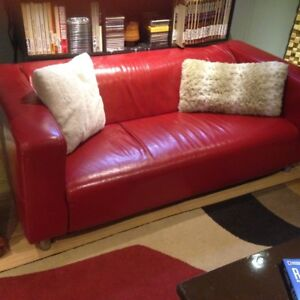 2b63d25f17 Leather Sofas