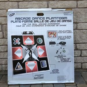 A vendre : Arcade Metal Dance Pad Platform For : PS2 and Xbox.