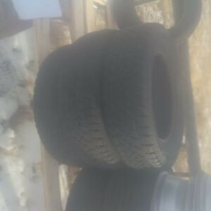 4 arctic claw studded tires like new