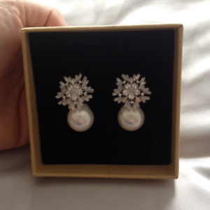 Simulated Pearl Jewelry Set - Necklace and Earrings -Brand New