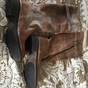 Steve Madden Light brown leather boots size 7