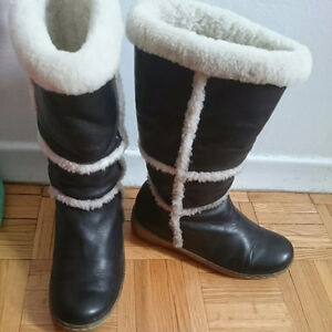 Worn once sz 6 genuine shearling lined knee-high boots