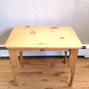 """PINE TABLE 20"""" BY 28"""""""