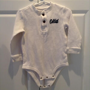Onesie short and long sleeve tops 18-24 months.....like new! West Island Greater Montréal image 1