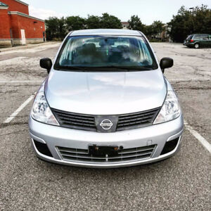 MINT CONDITION 2009 NISSAN VERSA SAFETIED/ E-TESTED! 170000 KMS!