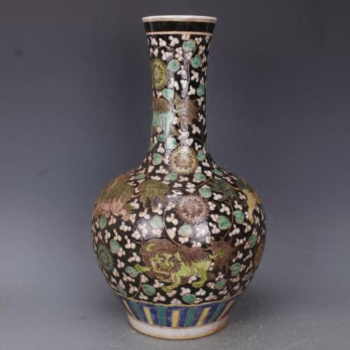 Chinese Antqiue Qing Dynasty Famille Rose Porcelain Lion Vase