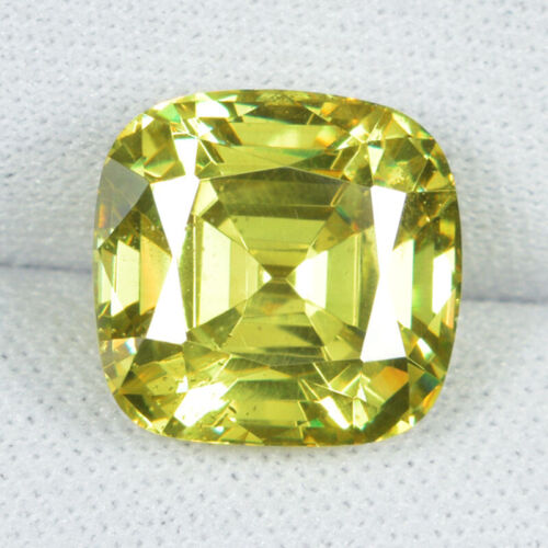 9.81 ct TOP QUALITY LIME YELLOW MULTI COLOR SPARKLING NATURAL SPHALERITE See Vdo