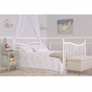 Dream On Me Violet 7 in 1 Convertible Life Style Crib, White Cambridge Kitchener Area image 3