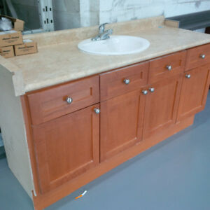 Vanity cabinet in perfect condition for only $120