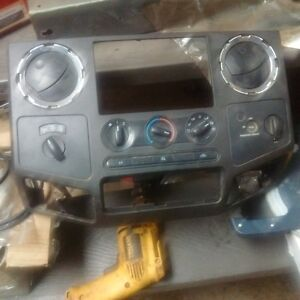 2008-2010 F250,350,450,550 Dash bezel with heater control
