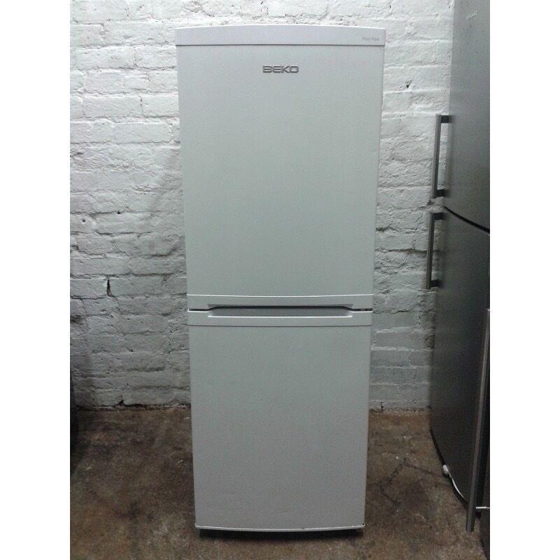 CA5411FFW Beko Fridge Freezer in White.