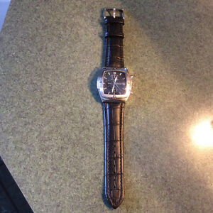 MEN'S PERRY ELLIS CHRONOGRAPH WATCH West Island Greater Montréal image 6