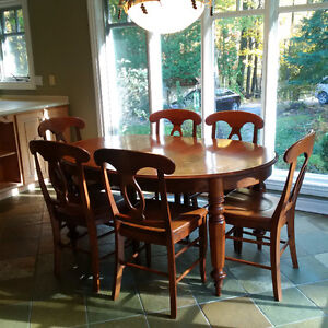 Rare Flamed Maple 6 Seater Dining Set