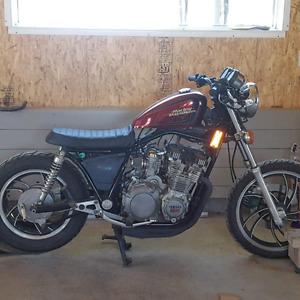 Yamaha maxim 650 1983 (projet pas terminé )