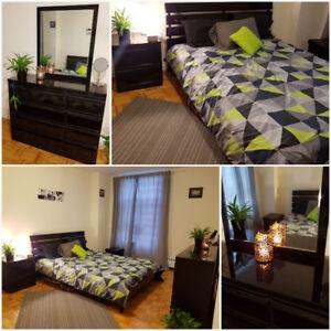 Bedroom set- Queen Bed, Nightstand, Drawer/mirror