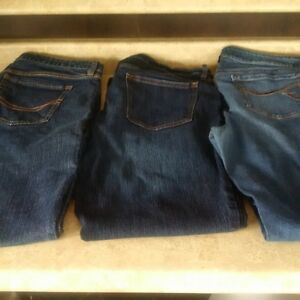 3 pairs of ladies jeans