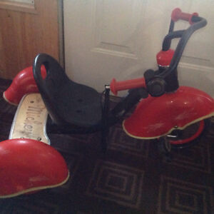 Mickey Mouse tricycle great condition Cambridge Kitchener Area image 1