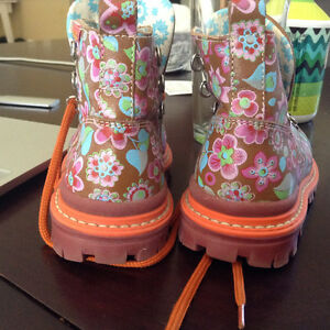 Beautiful Oilily Toddler Boots sz 25/ 8.5 US appx.