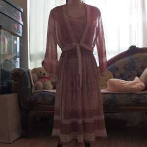 women dress size M each one $10  condition : great made in Italy