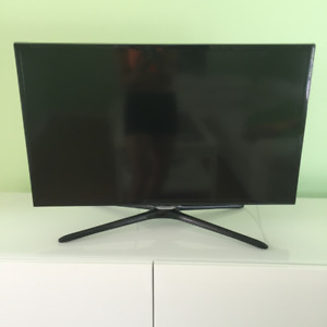 "SAUMSUNG  32"" TV  2080 P   LED"