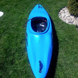 Eskimo Kendo kayak whitewater/leisure 8.5ft