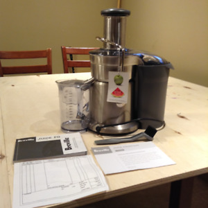 Breville Juice Fountain Elite - MINT CONDITION