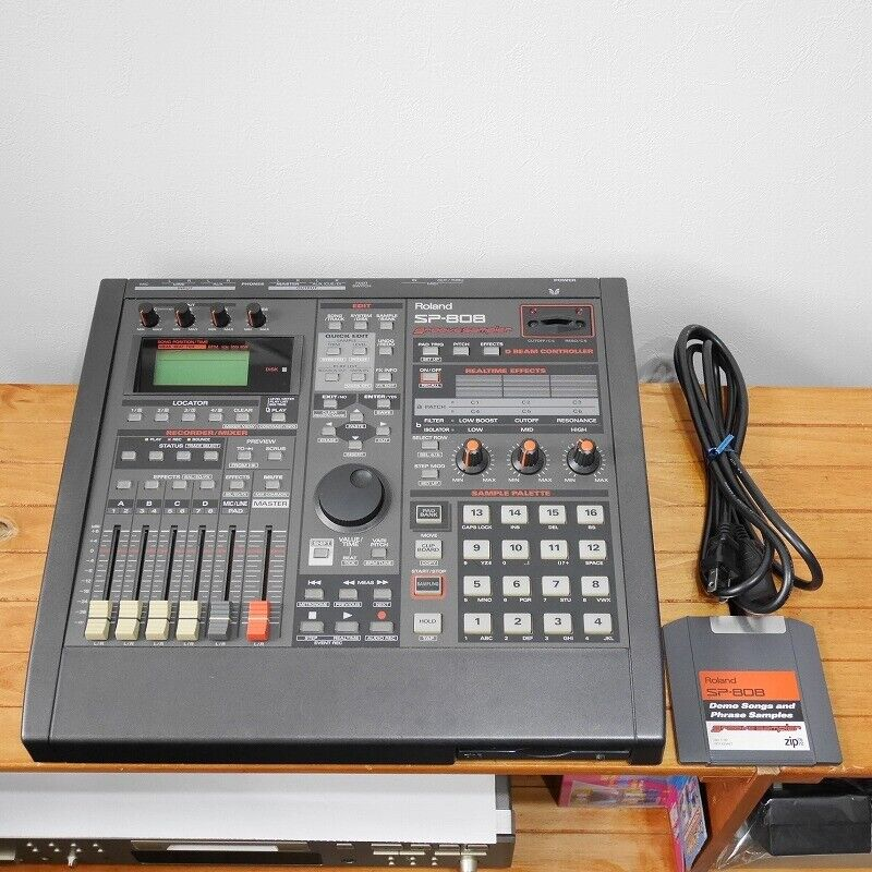 Roland SP-808 Pro Groove Sampler Recorder Drum Machine