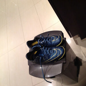 Soccer shoes for indoor, price negotiable