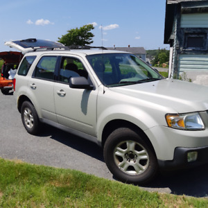 2009 Mazda Tribute AWD 4cyl for Parts or Repair $950 OBO
