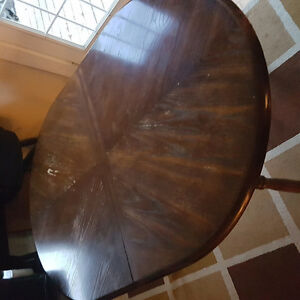 Free kitchen table and 6 chairs