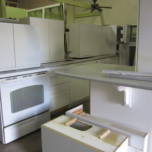 White Kitchen Cabinets with All GE Appliances