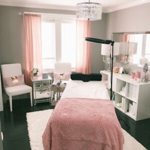 **WANTED** Looking to rent a Lash Room