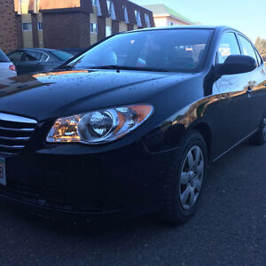 2010 Hyundai Elantra Sedan with 2 yrs warranty + 4 winter tires!
