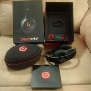 Beats solo2 Headphones brand new, opened but never powered up!