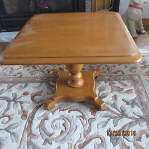 ROXTON PEDESTAL TABLE - SOLID MAPLE