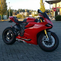 FS: Ducati 1199 Panigale S (LOTS OF MODS)