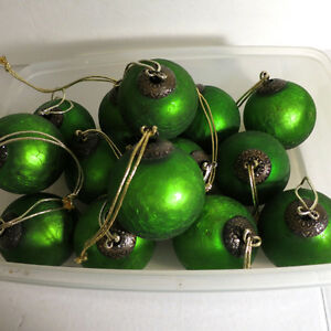 Fabulous Ornaments Christmas Green 14 Pieces Kitchener / Waterloo Kitchener Area image 3
