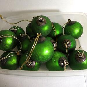 Fabulous Ornaments Christmas Green 14 Pieces Kitchener / Waterloo Kitchener Area image 3