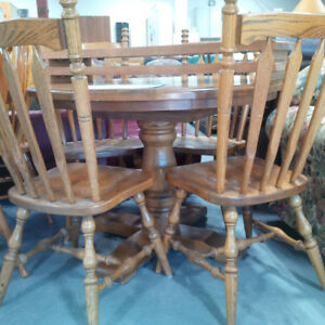 Wooden round dining table w/4 chairs