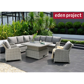 WANTED- RATTAN or CAST IRON GARDEN FURNITURE