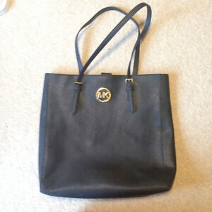 MIchael Kors purse/bag