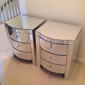 2  beautiful mirrored bedside tables/night stands NEW