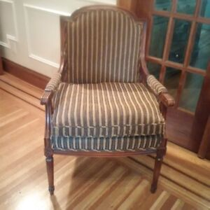 Barrymore Custom Made Chair with Accent Pillows